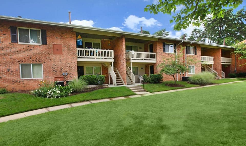 GoldOller Real Estate Investments Acquires The Seasons Apartments
